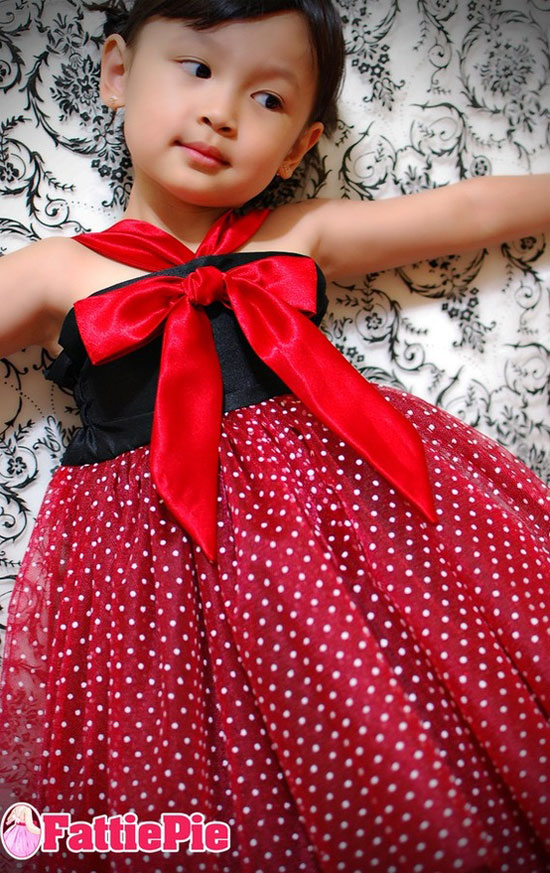 15 Beautiful Amp Cute Christmas Dresses Amp Outfits 2012 For