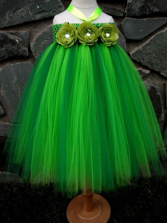 15 Awesome Christmas Costumes Dresses Amp Outfits 2012 For