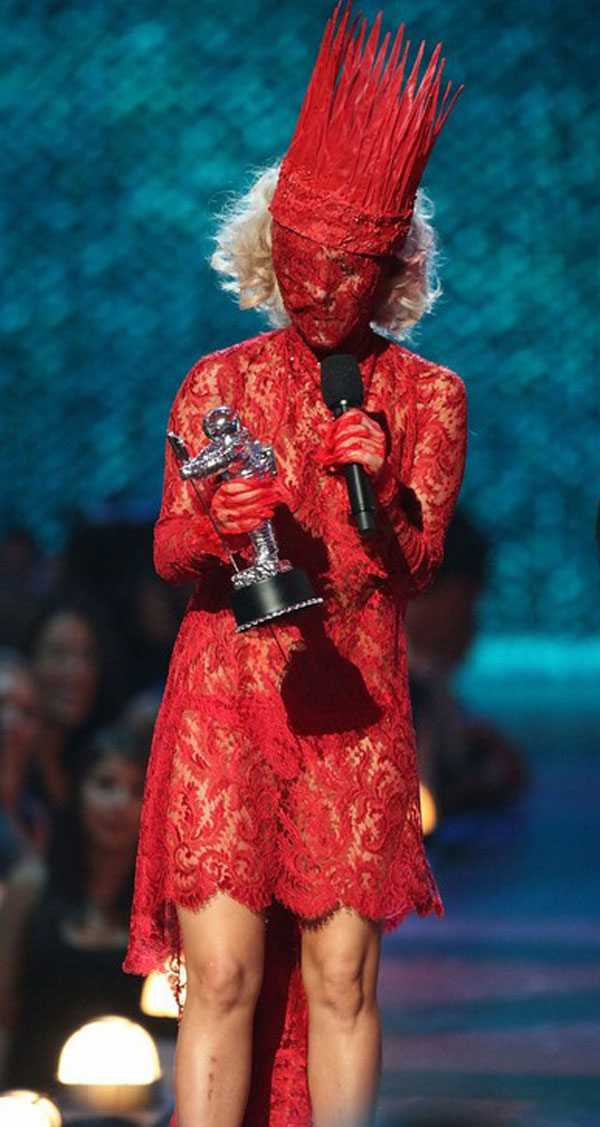 Top Ten Craziest Lady Gaga Outfits - Page 3 of 5