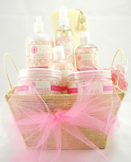 15 Amazing Yet Inspiring Gift Basket Ideas For Mother's   Happy ...