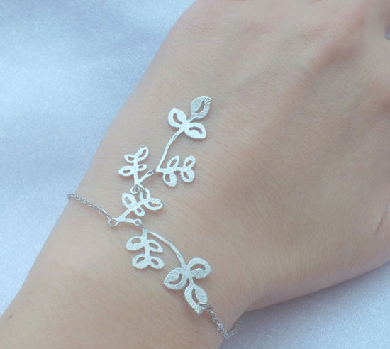 FREE SHIPPING Matte Silver Leaves Dangle Bracelet