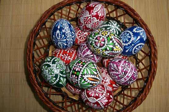 15 awesome easter gifts basket ideas 2013 girlshue easter basket including 15 hand painted easter eggs negle Image collections