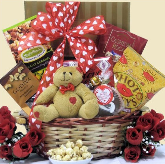 15 Amazing Valentine's Day Basket Ideas 2013 For Him & Her | Girlshue
