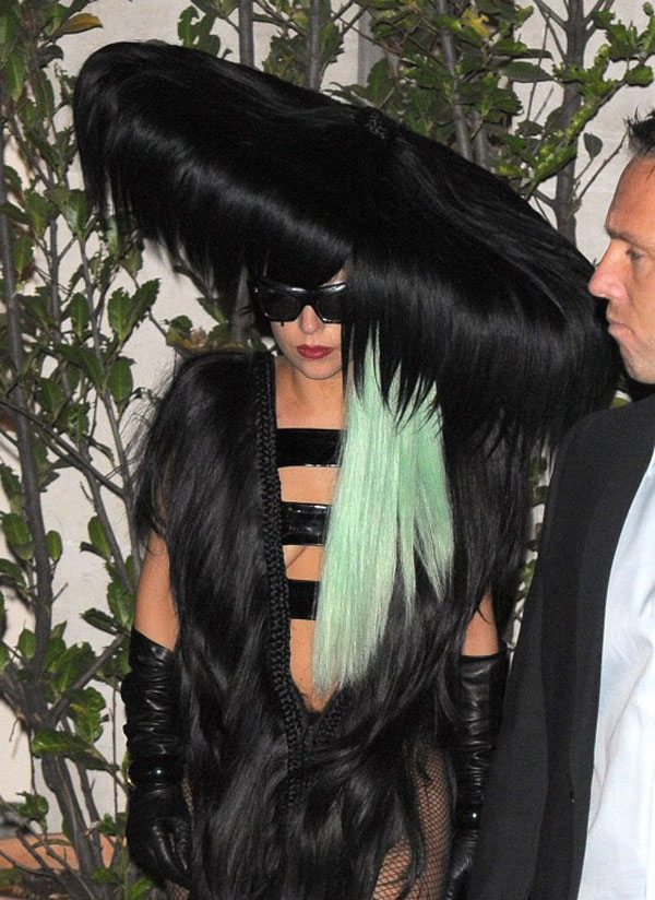 30 Pictures Of Lady Gaga Crazy Hairstyles Wigs Amp Bow Hair
