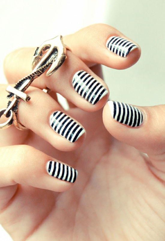 20 best yet stylish random nail art designs supplies girlshue nail art whiteblack stripes nautical prinsesfo Image collections