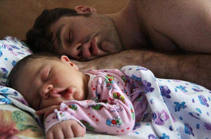 20+ Fathers with Their Little Ones Demonstrating Love and Affection