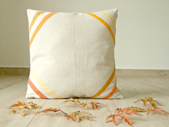 20-stylish-fall-pillows-2016-22