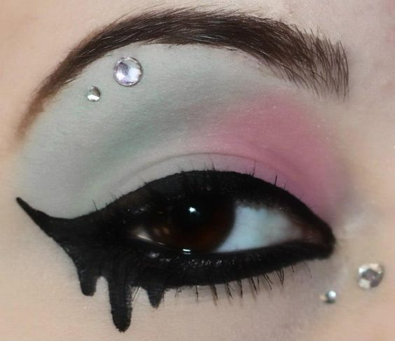 eyeliner-ideas-for-halloween-2016-3