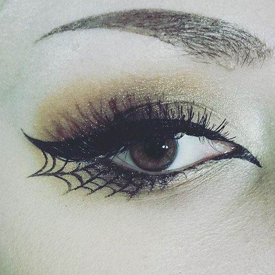 eyeliner-ideas-for-halloween-2016-8