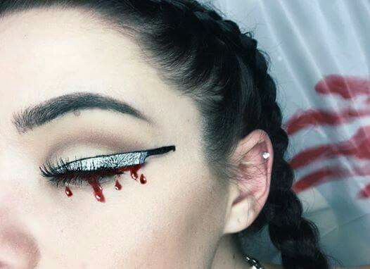 eyeliner-ideas-for-halloween-2016-9