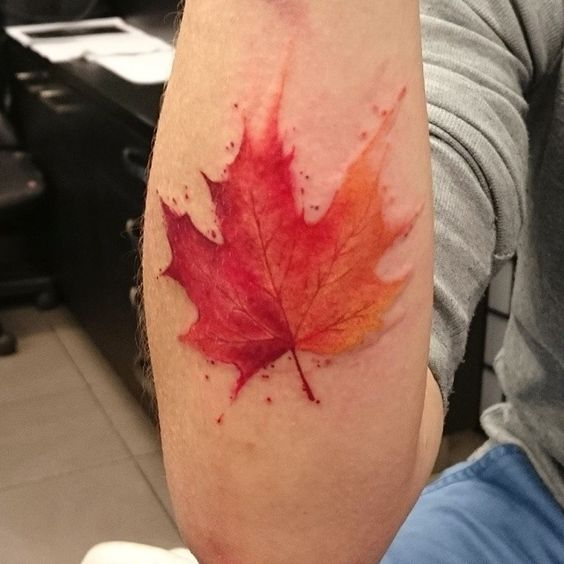 maple-leaf-tattoos-for-autumn-2016-1