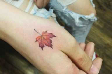 maple-leaf-tattoos-for-autumn-2016-6