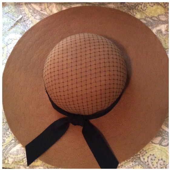 wide-brimmed-hats-for-autumn-2016-4