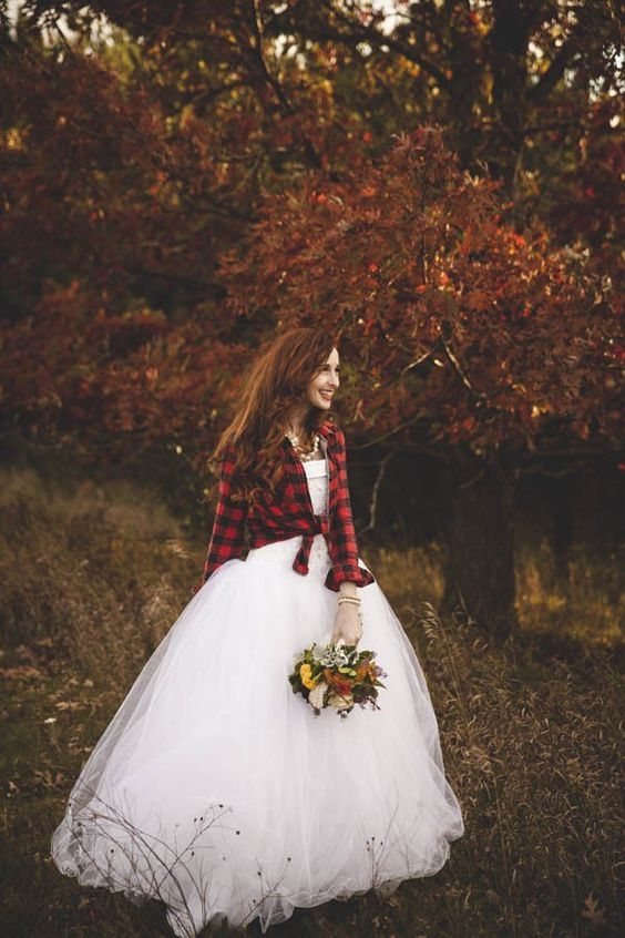 20-wedding-gowns-for-autumn-brides-2016-16