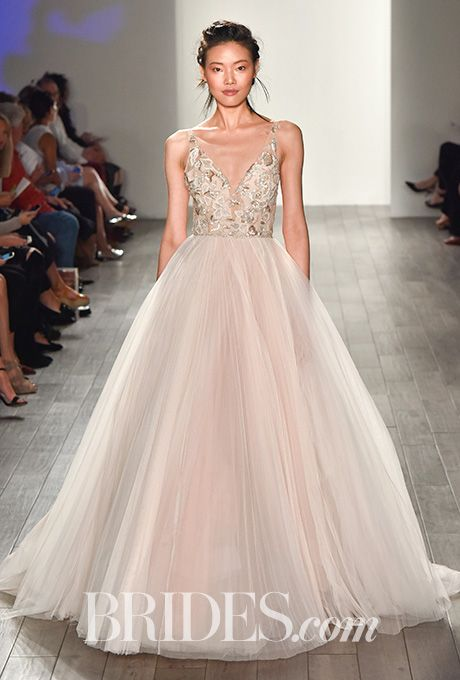 20-wedding-gowns-for-autumn-brides-2016-18