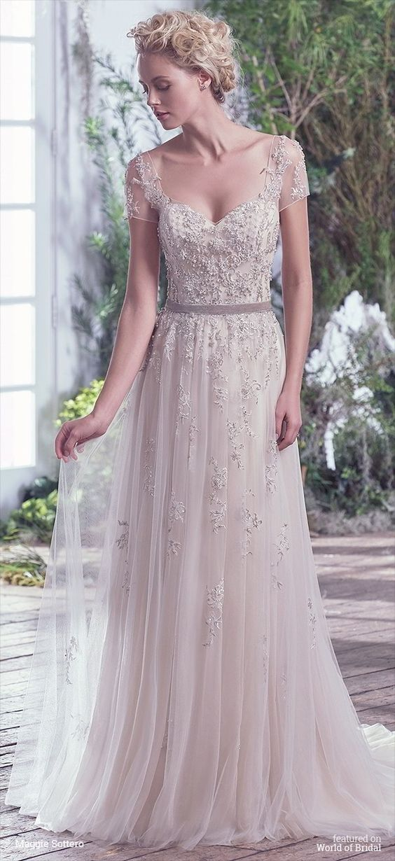 20-wedding-gowns-for-autumn-brides-2016-19