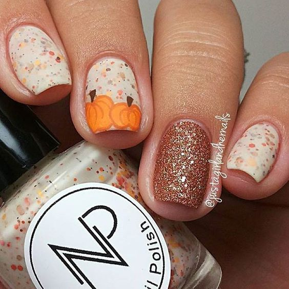 25-pumpkin-nail-art-ideas-2016-1