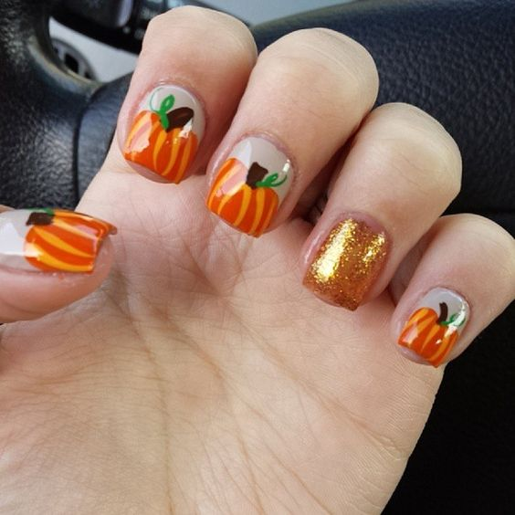 25-pumpkin-nail-art-ideas-2016-10