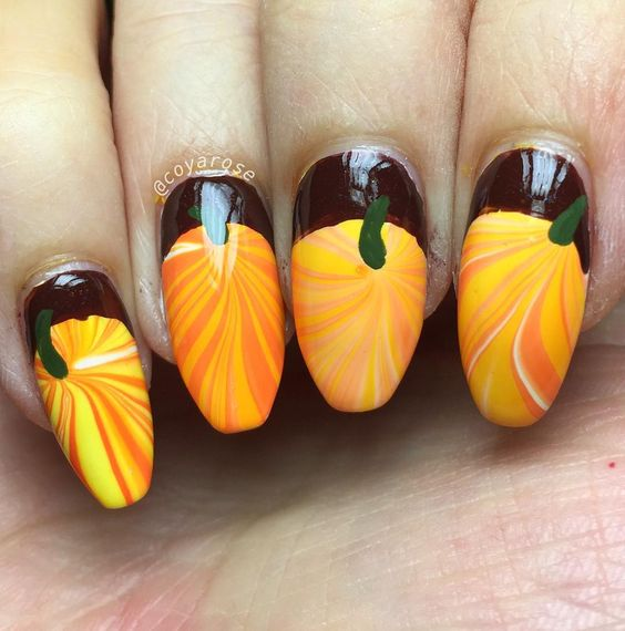 25-pumpkin-nail-art-ideas-2016-13