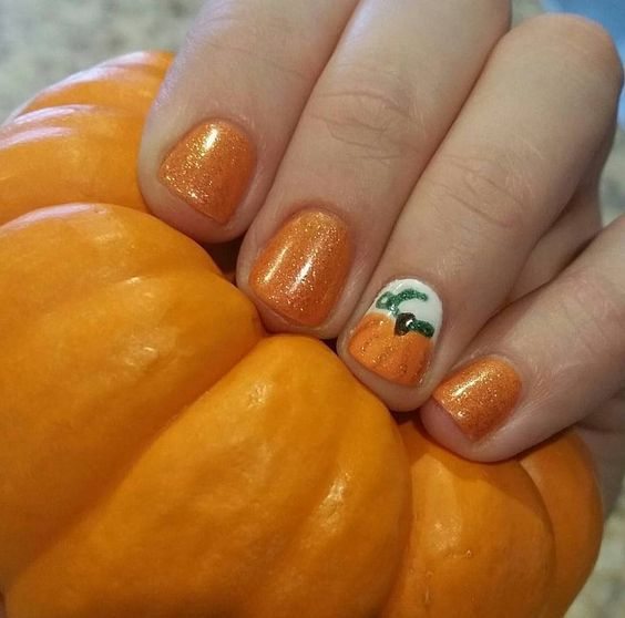 25-pumpkin-nail-art-ideas-2016-16