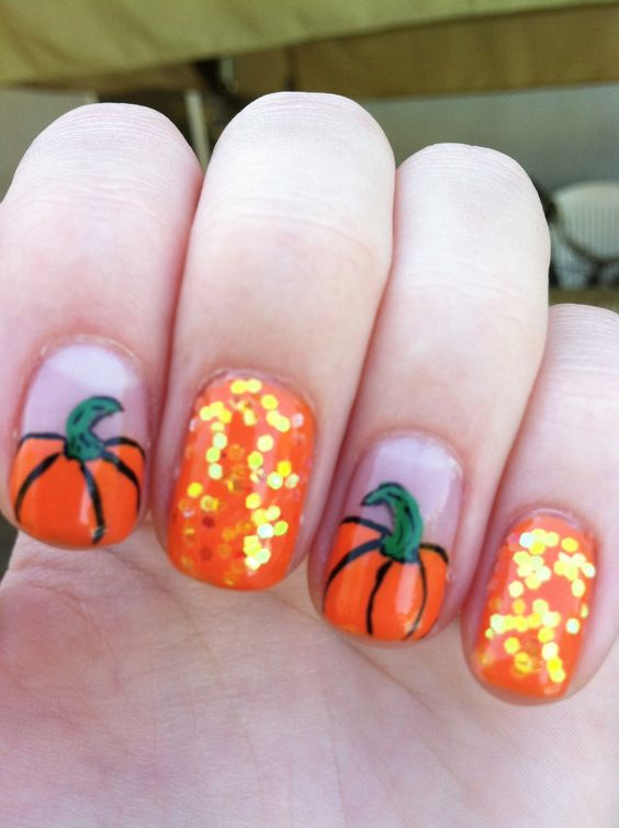 25-pumpkin-nail-art-ideas-2016-20