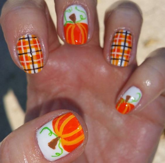 25-pumpkin-nail-art-ideas-2016-23