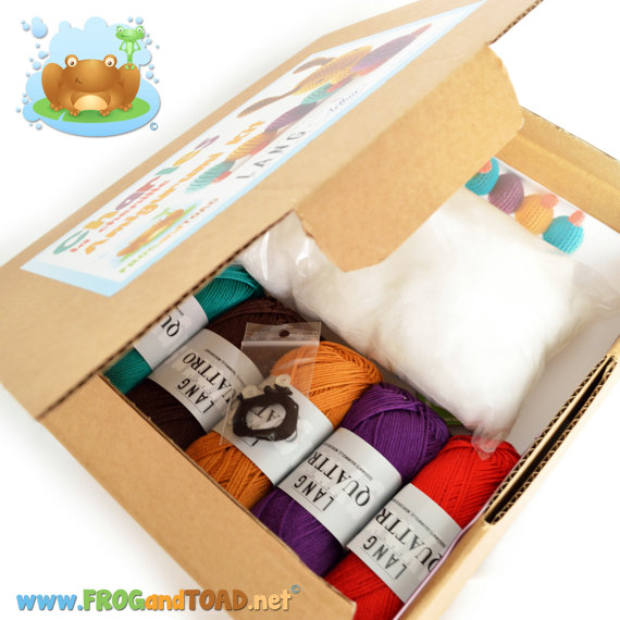 crochet-kit-and-supplies-gift-ideas-for-autumn-2016-15