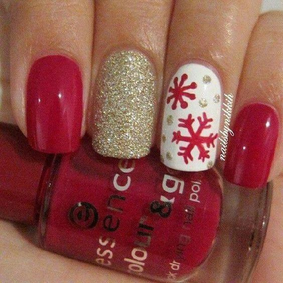 30-creative-snowflake-nail-art-ideas-2016-11