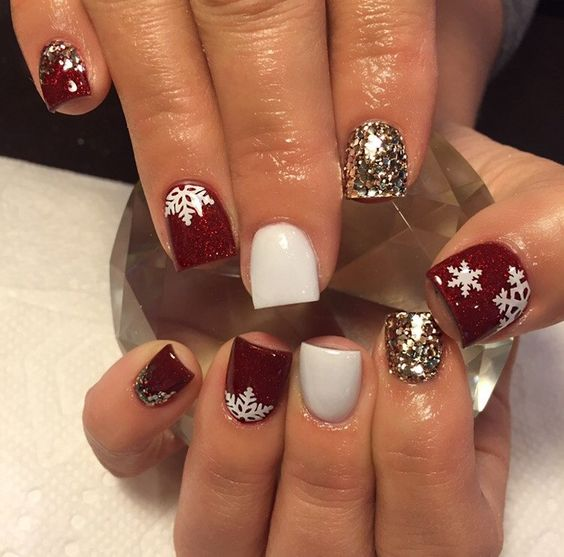 30-creative-snowflake-nail-art-ideas-2016-12