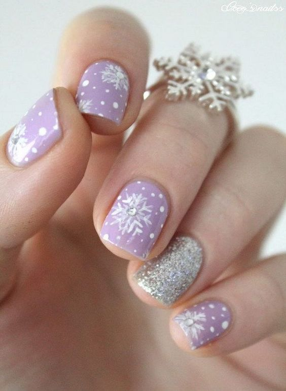 30-creative-snowflake-nail-art-ideas-2016-13