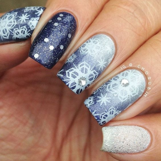 30-creative-snowflake-nail-art-ideas-2016-14