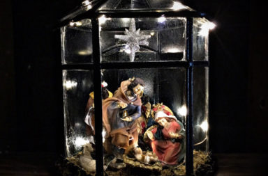 amazing-nativity-sets-and-decorations-2016-11