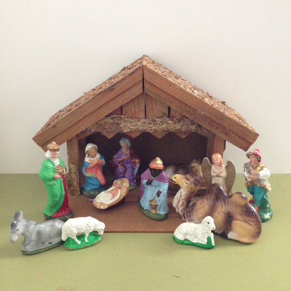 amazing-nativity-sets-and-decorations-2016-15
