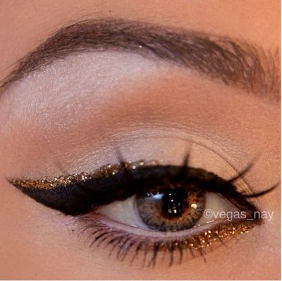 creative-christmas-eyeliner-ideas-2016-2