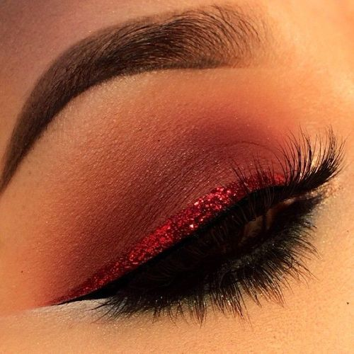 creative-christmas-eyeliner-ideas-2016-9