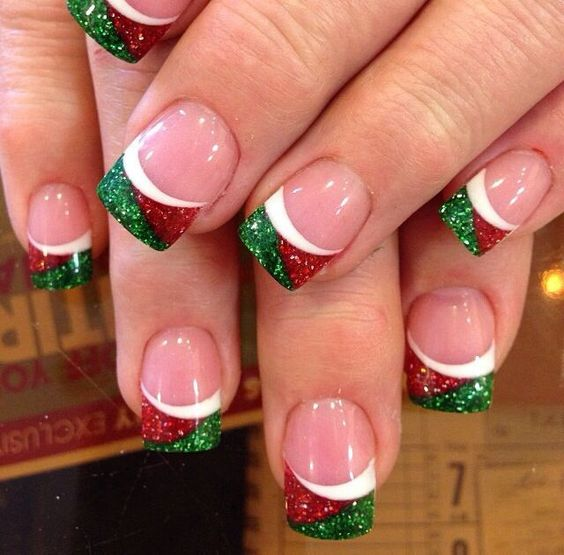 creative-christmas-nail-art-ideas-2016-14