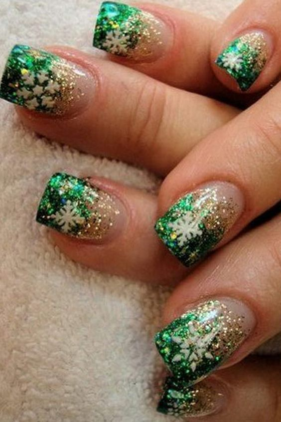 creative-christmas-nail-art-ideas-2016-15