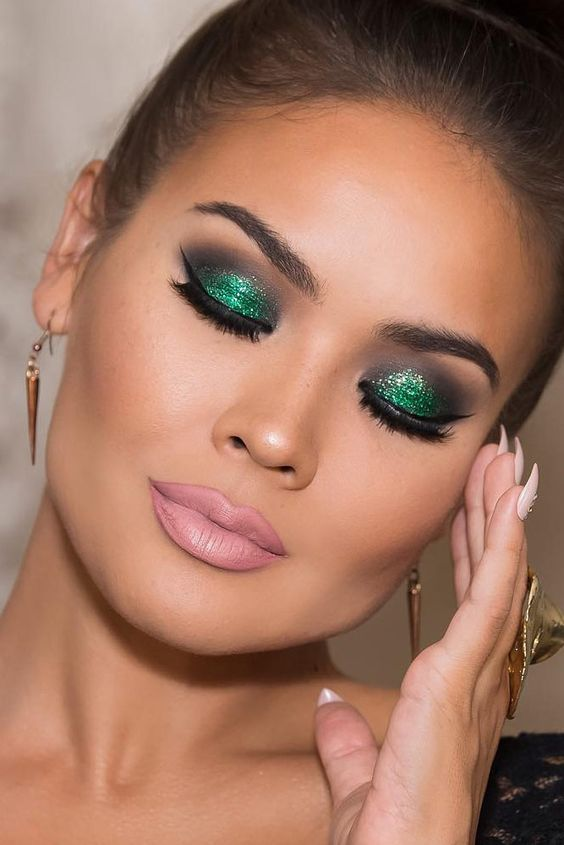 stylish-christmas-makeup-ideas-2016-1