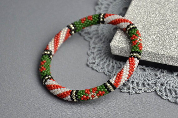 stylish-christmas-themed-bracelets-2016-15