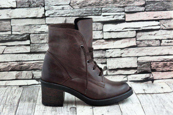 15-stylish-winter-boots-9
