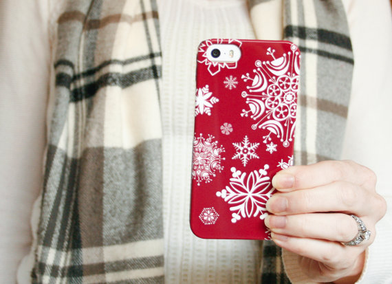 fashionable-winter-phone-case-7